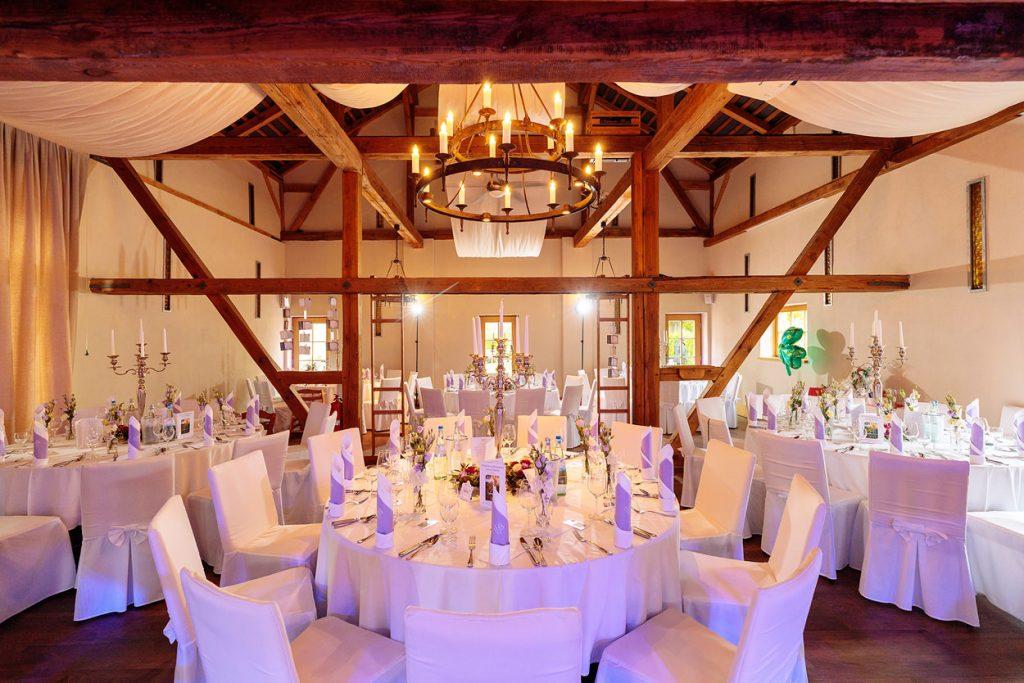 Der Festsaal im Zum Rittmeister, eingedeckt und dekoriert für die Hochzeitsfeier