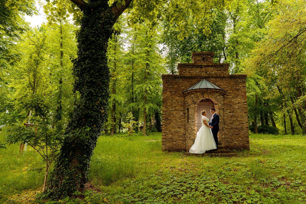 Das Brautpaar in der Natur