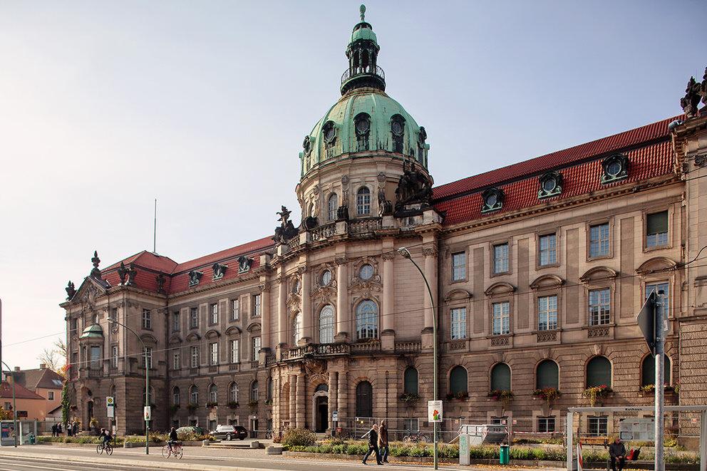 Das Rathaus Potsdam von Außen