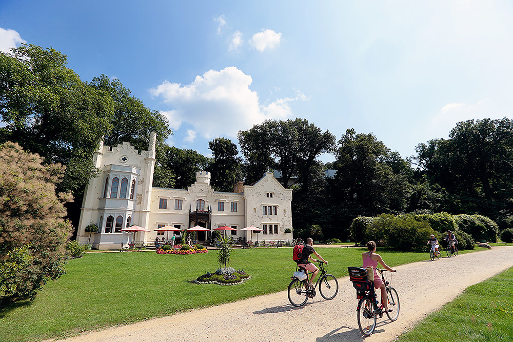 Die Hochzeitsfeier fand im kleinen Schloss Babelsberg im Park Babelsberg statt