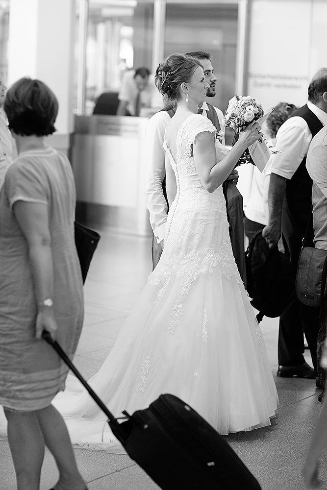 Im Brautkleid nach Paris!