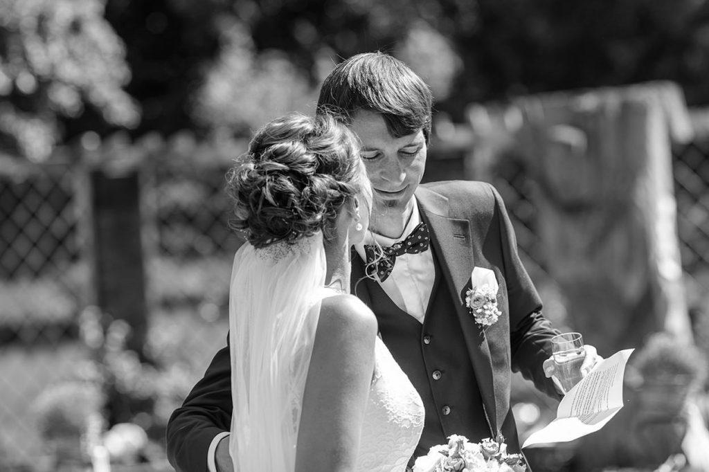 Das Brautpaar kommt am Landgut Gühlen bei Neuruppin an