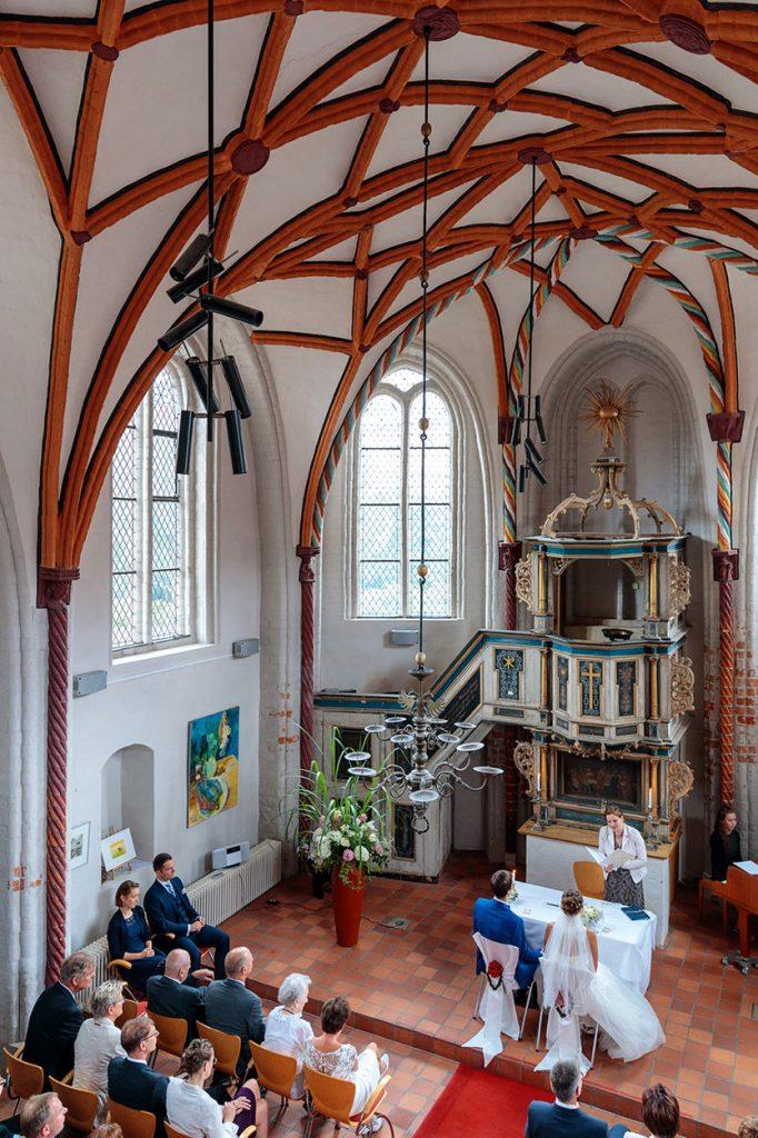Blick in die Siechenhauskapelle Neuruppin während der Trauung