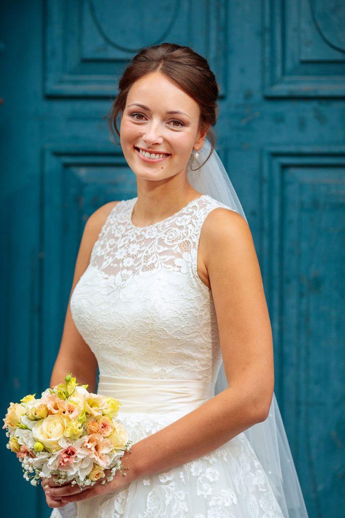 Die Braut nach der Trauung in Neuruppin