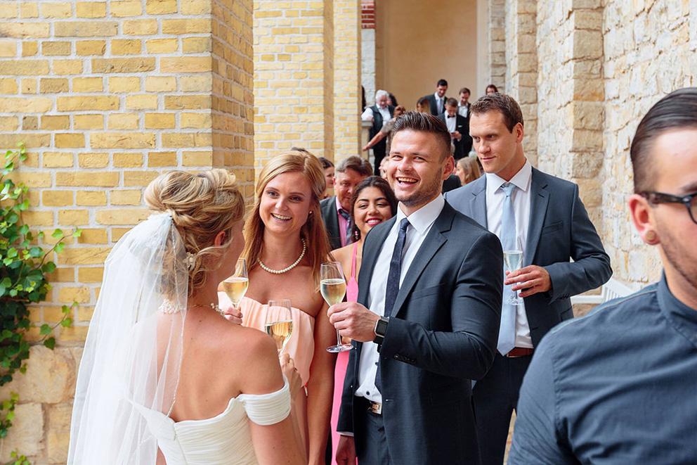 Empfang bei einer Hochzeitsfeier in Potsdam auf dem Pfingstberg Belvedere