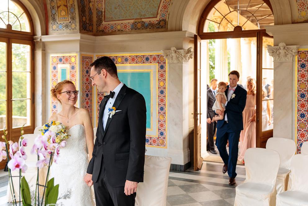 Hochzeitsfotos bei einer Trauung im Maurischen Kabinett auf dem Pfingstberg in Potsdam