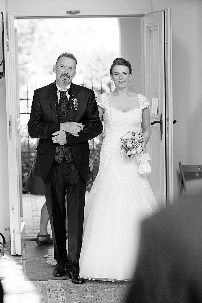 Einzug der Braut mit dem Brautvater