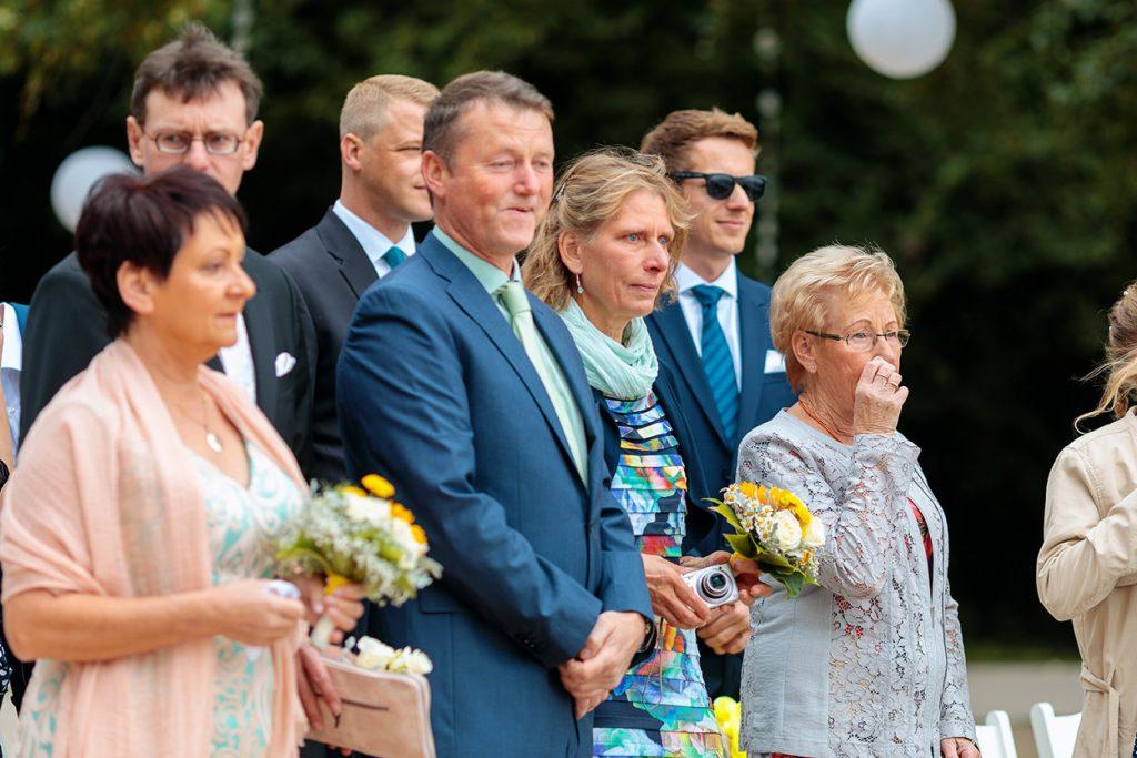 Reaktionen der Gäste auf die Trauung