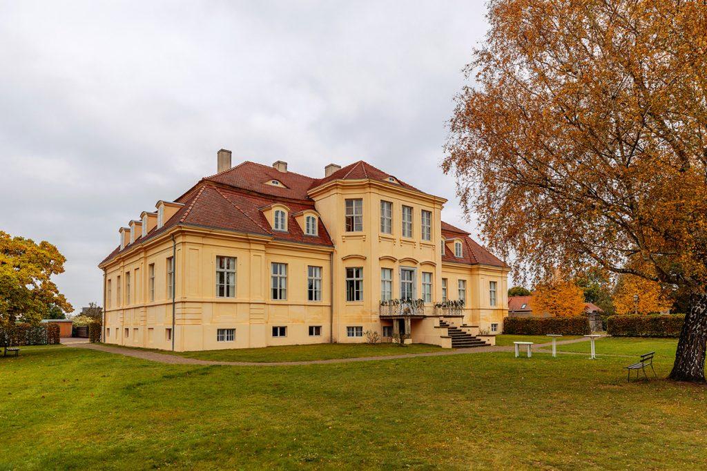 Schloss Reckahn in der Ortschaft Reckahn, einem Ortsteil der Gemeinde Kloster Lehnin als Ort der standesamtlichen Trauung