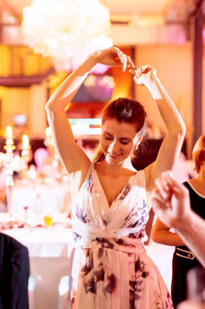 Die Hochzeitsgäste schwingen das Tanzbein im Kutschstall am Neuen Markt Potsdam