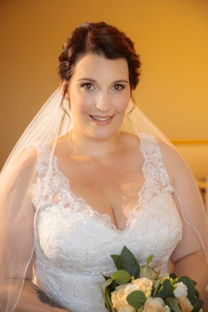 Vorbereitung der Braut im Café Wildau