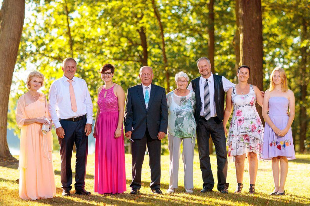 Am Nachmittag nehmen wir hier und da die Familie, das Brautpaar und die Gäste für tolle Fotos beiseite