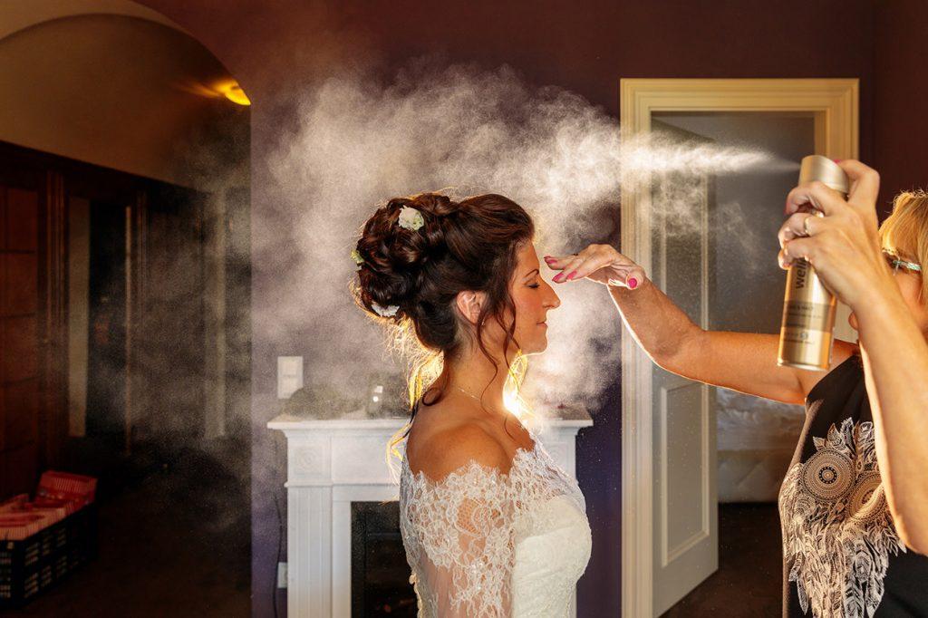 Hochzeitsfoto der Vorbereitung der Braut vor Hochzeit auf Schloss Kartzow