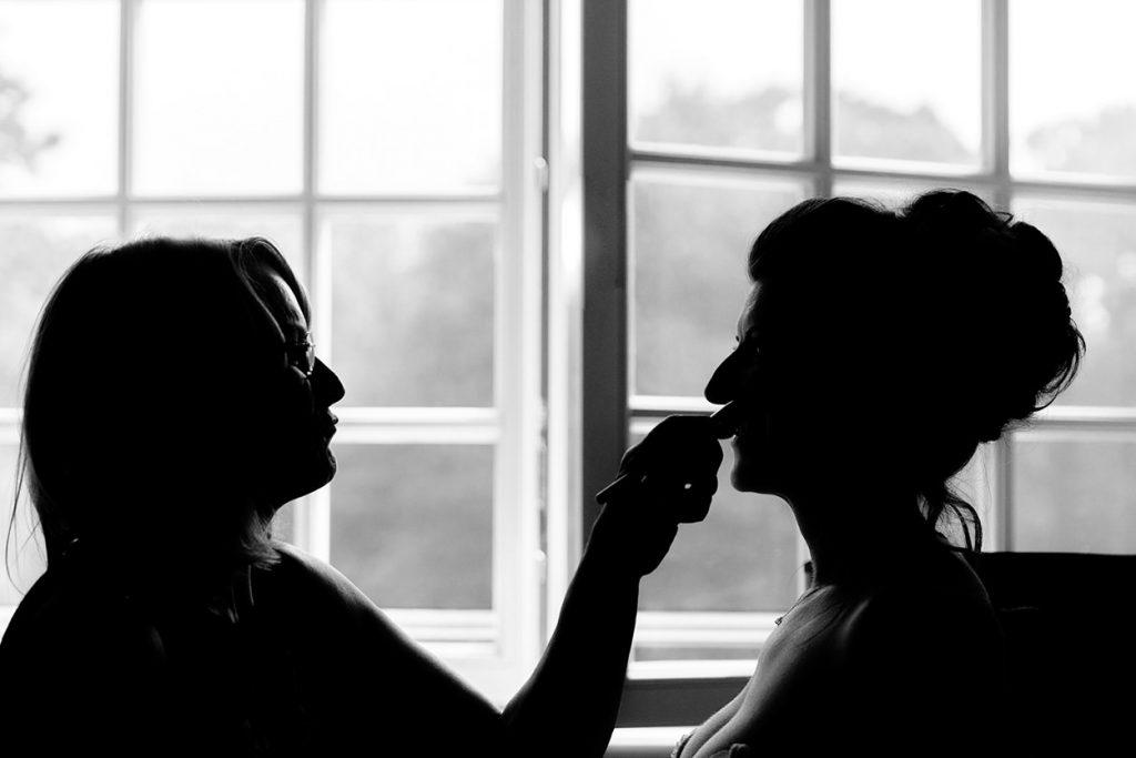 Vorbereitung der Braut in den Zimmern von Schloss Kartzow