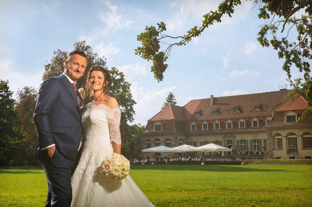 Hochzeitsfotos im Park von Schloss Kartzow Potsdam