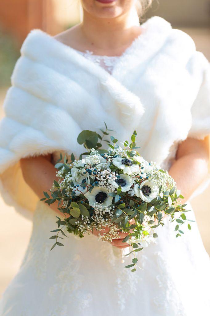 Ein winterlicher Brautstrauß mit Eukalyptus