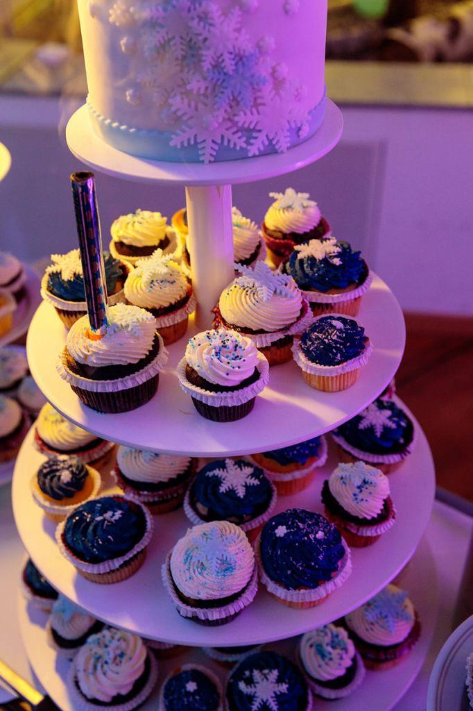 Cupcakes mit Schneeflocken Topping