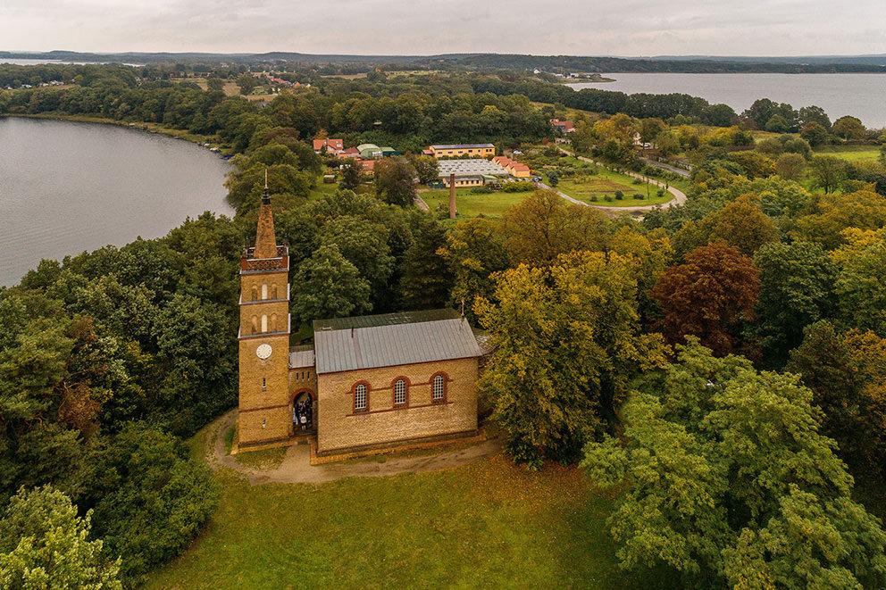 Trauung in der Kirche Petzow bei Werder und Schwielowsee