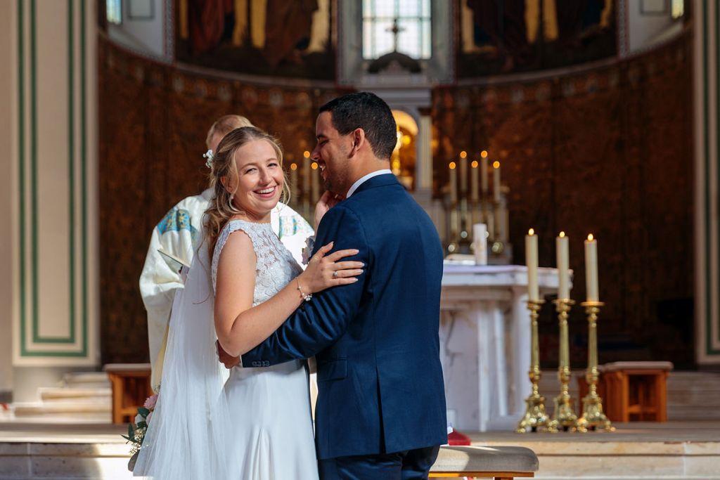 Bilder bei der Trauung von Braut und Bräutigam