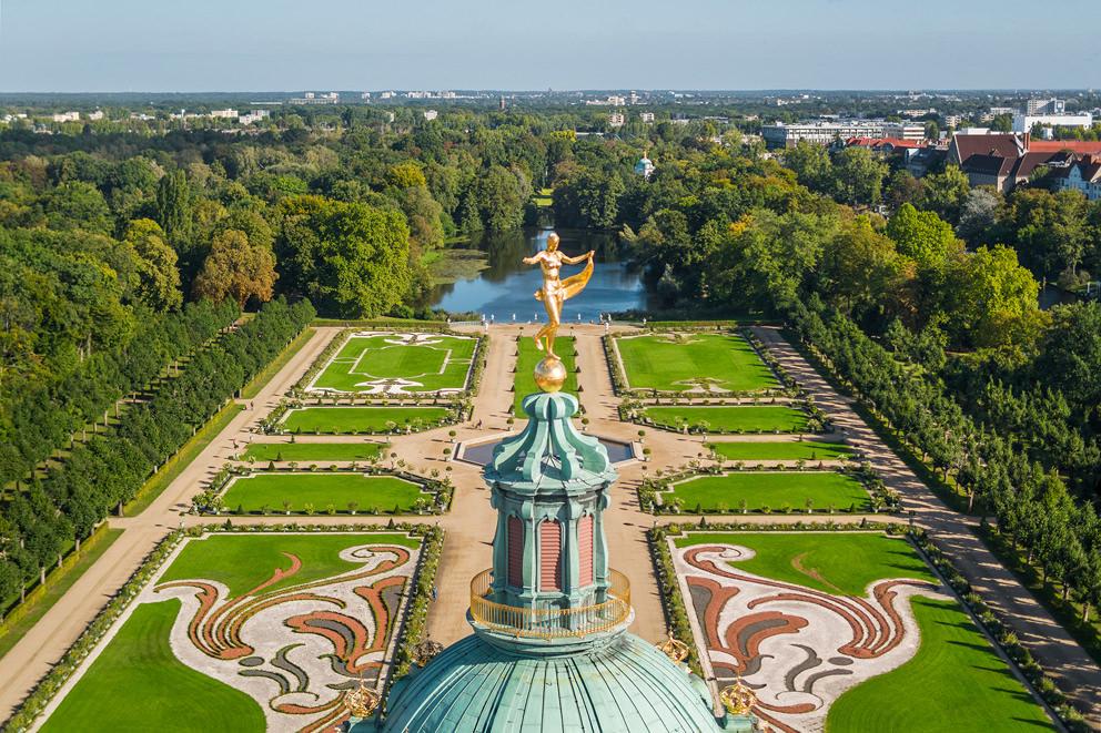 Luftaufnahme der Kuppel vom Schloss Charlottenburg in Berlin im Auftrag für die SPSG