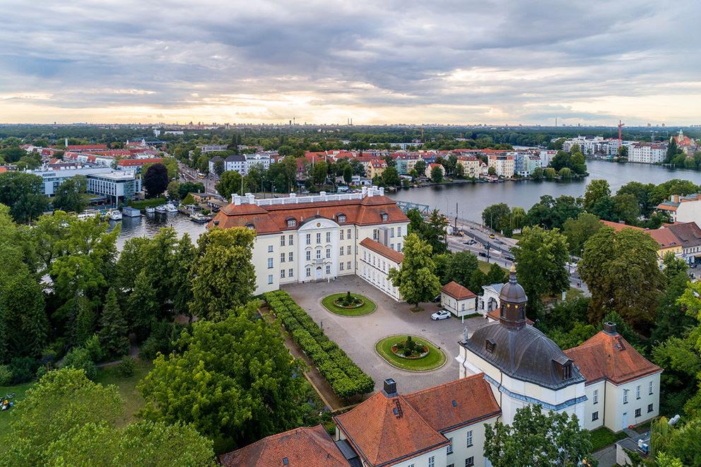 Luftbild Berlin Schloss Köpenick auf der Insel