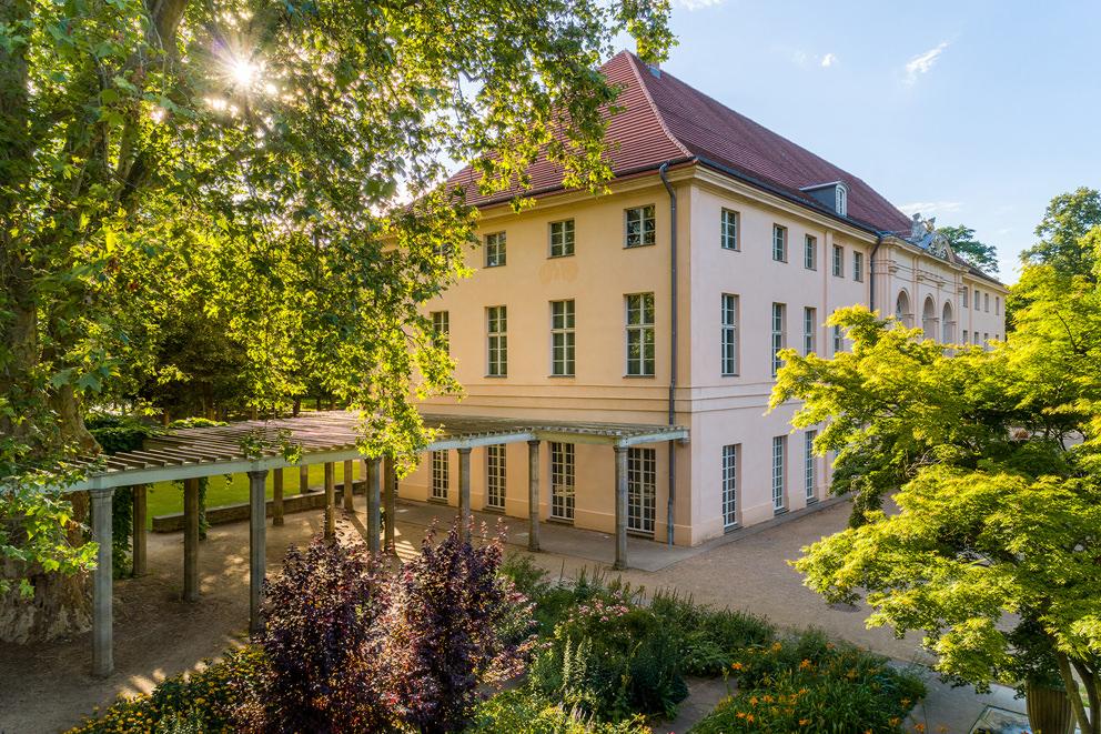 Luftaufnahme von Park und Schloss Schoenhausen in Berlin im Auftrag für die SPSG