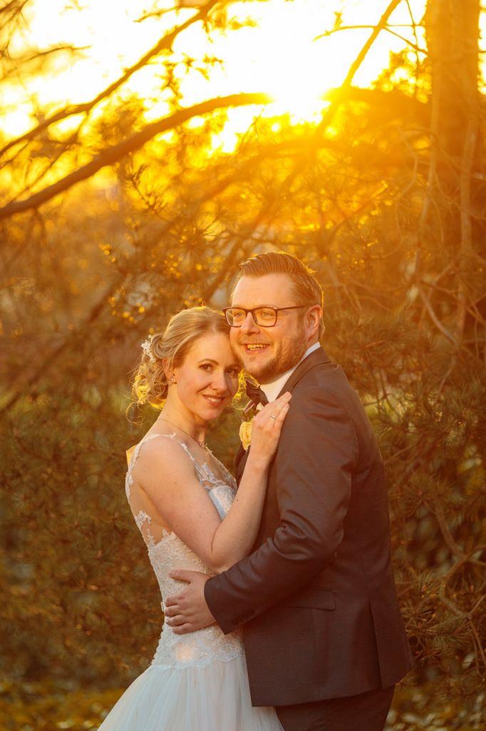 Fotos vom Brautpaar zur Goldenen Stunde