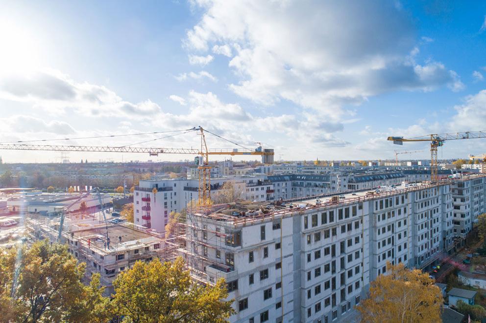 Luftbild einer Baustelle Baufortschritt in Berlin