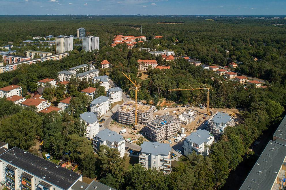 Baustellenfortschritt in einem Luftbild mit Drohne