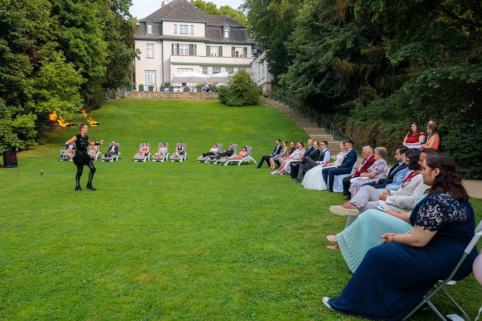 Aktivitäten im Außenbereich machen sich besonders gut bei Hochzeiten zur Corona Zeit