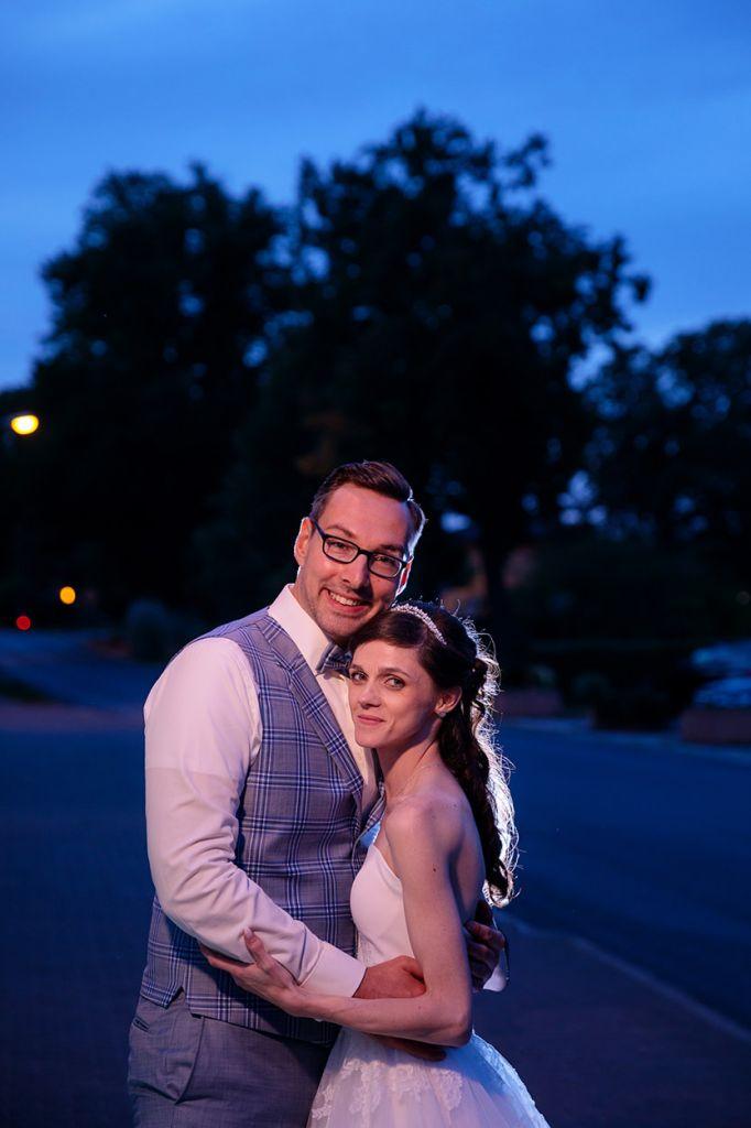 Brautpaarfotos zur Blauen Stunde