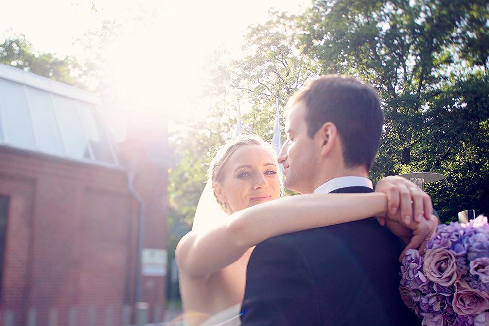Lichtspiel bei Brautpaarfotos in Potsdam