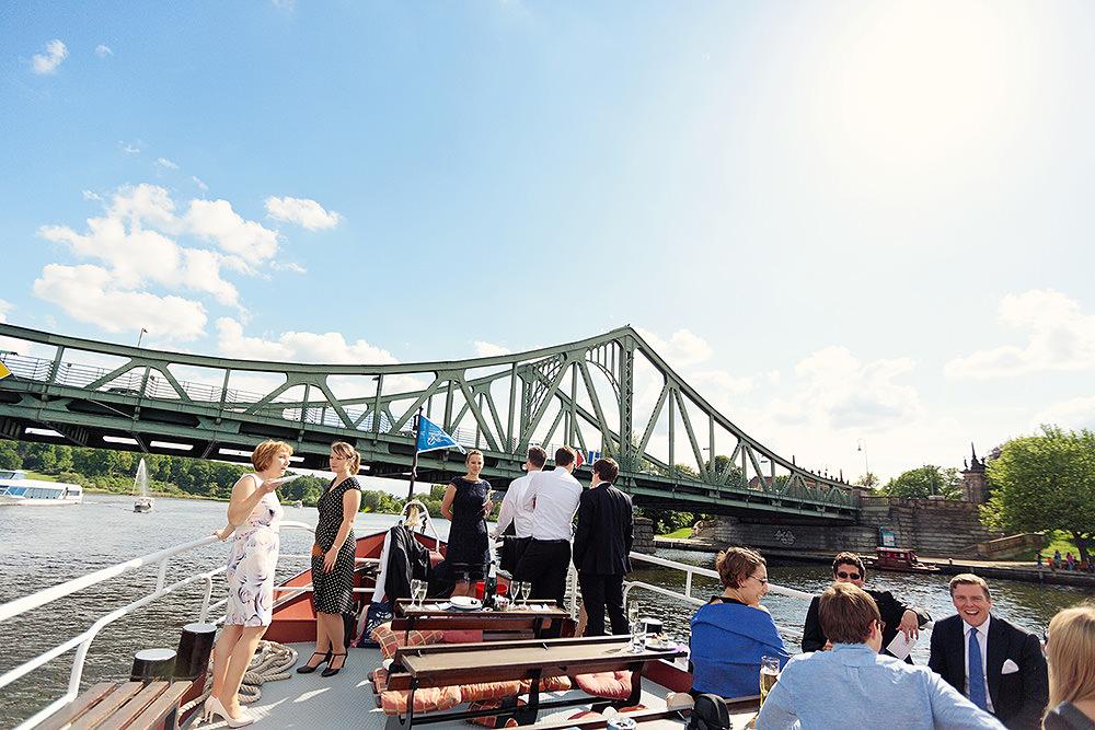 Bootsfahrt mit Hochzeitsgästen in Potsdam