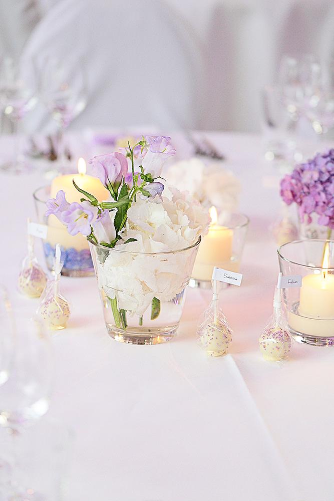 Details der Tischdekoration bei Hochzeit
