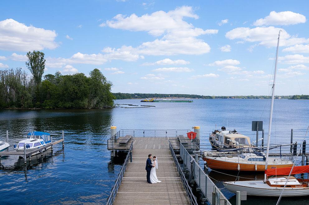 Hochzeitsfotos am Kladower Promenadenhafen