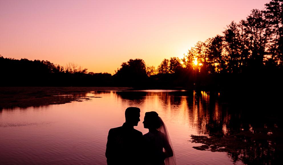 Brautpaarfotos bei Sonnenuntergang in Kemmnitz Werder