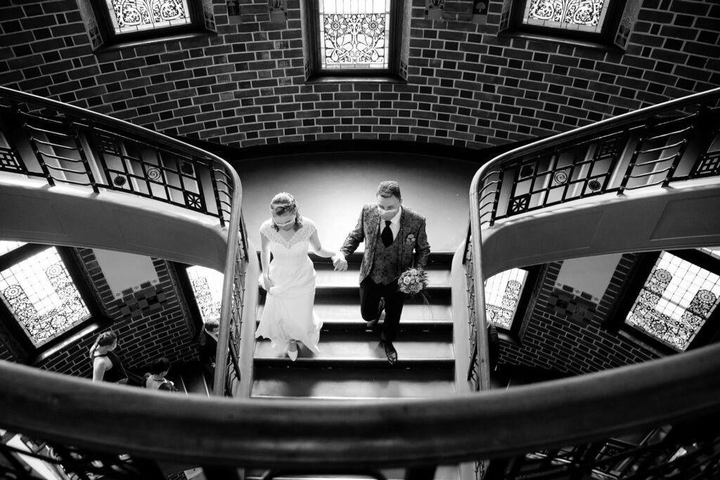 Brautpaar nach der Trauung im Rathaus Köpenick