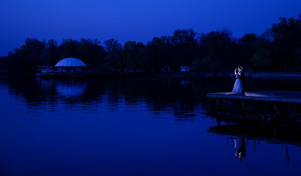 Brautpaar zur Blauen Stunde in Werder